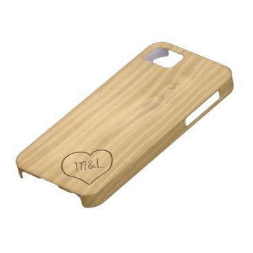 Engraved Heart and Initials on Wood Grain texture iPhone SE/5/5s Case
