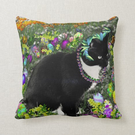 Freckles in the Hunt for Easter Eggs Throw Pillow