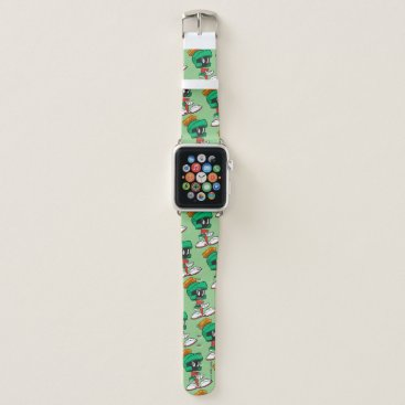 Hands on Hips Marvin Apple Watch Band
