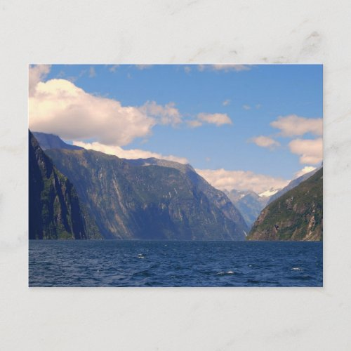 Milford Sound, New Zealand Postcard postcard