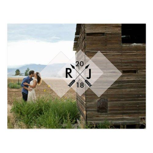 Modern Minimalist | Arrow Graphic | Wedding Postcard
