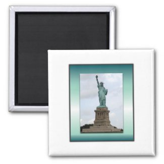 Statue Of Liberty Green Gradient Magnet