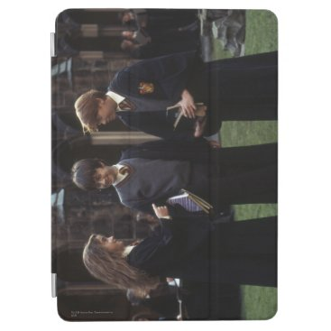 The group outside of Hogwarts iPad Air Cover