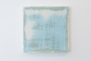 Timothy Chapman, Panel: green/blue/white-1 (2015), Pine stretcher, canvas, polyester resin, polyester filler, 350 x 350 x 32mm