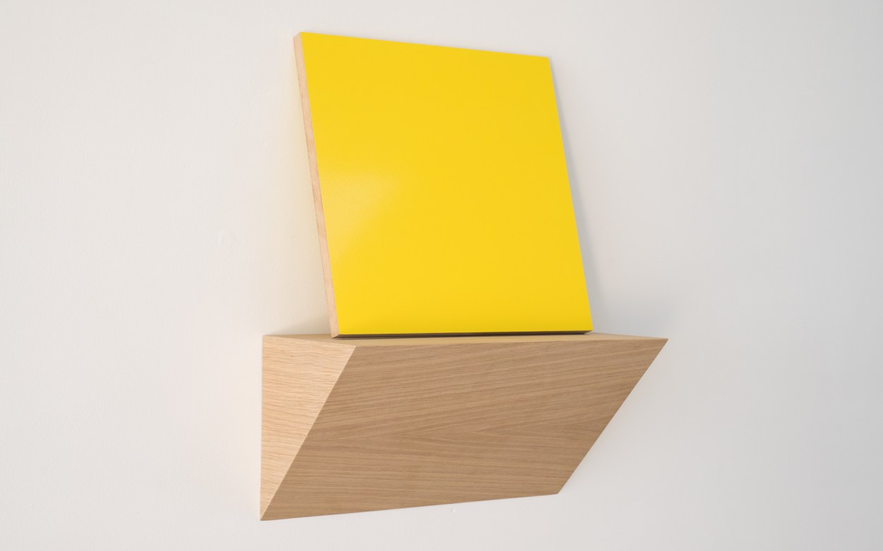 Matt Henry, Untitled A (2015), Urethane paint on MDF, oak veneer, plywood, 350 x 350mm