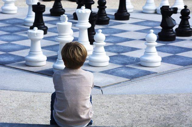 beneficios de la práctica del ajedrez