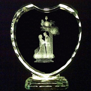 G1-537 - Heart Crystal w/Bride & Groom & Flowers-0