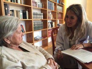 Bárbara Basallote compagina su labor como psicóloga con su cargo como Directora de Servicios