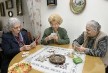 old women playing cards 1