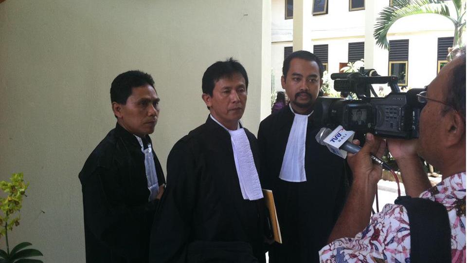 foto sidang – case pembunuhan kampial