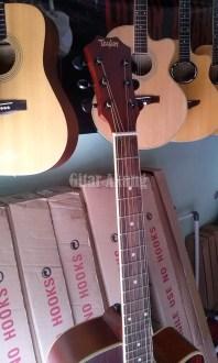 gitar akustik elektrik jakarta timur