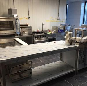 Raymond Nijland Horeca Consulting heeft geholpen met de opbouw van deze keuken