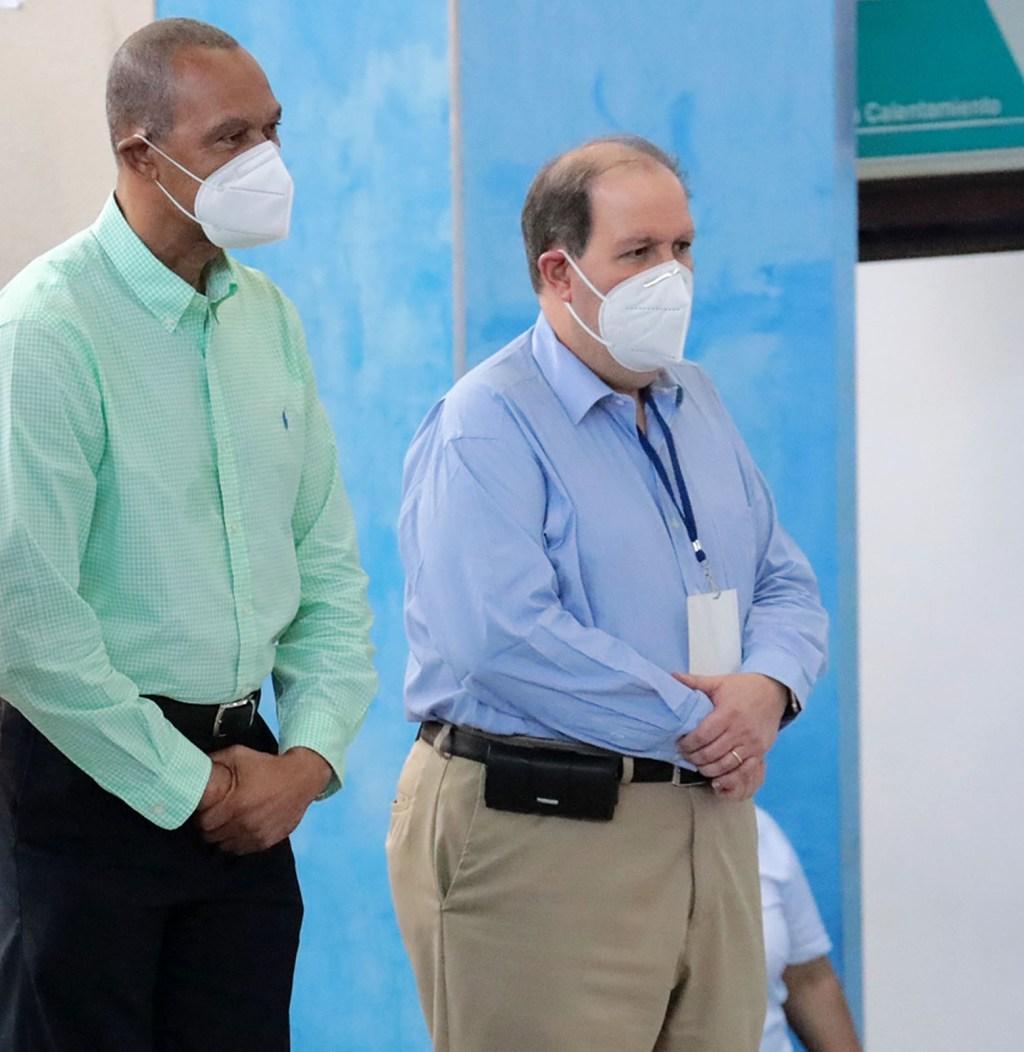 Felipe Payano, ex ministro de deportes junto al presidente de Creso, Felipe Vicini.
