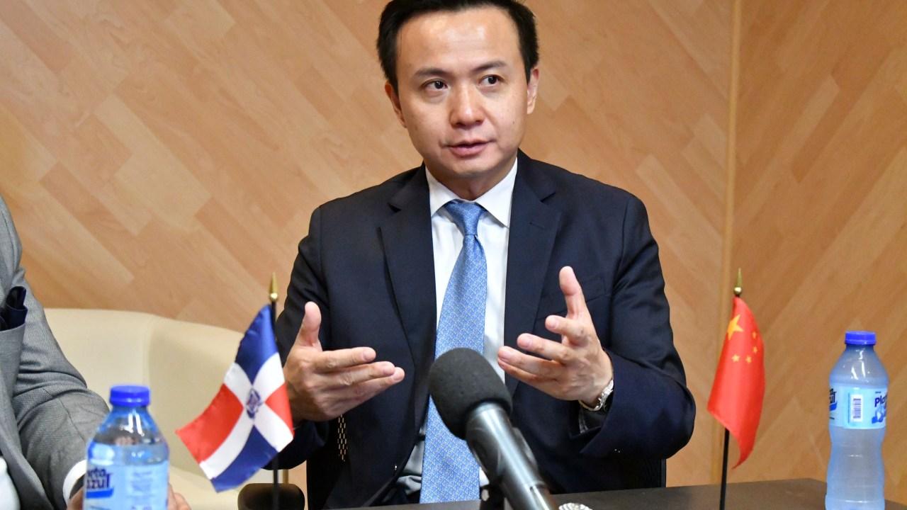 bfed70f0-embajador-de-china_-02