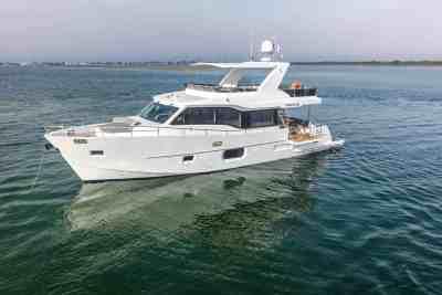 Nomad Yachts 55 Profile