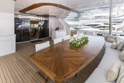 Majesty 155 Aft Seating Area