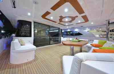 Nomad 75 Aft Seating Area