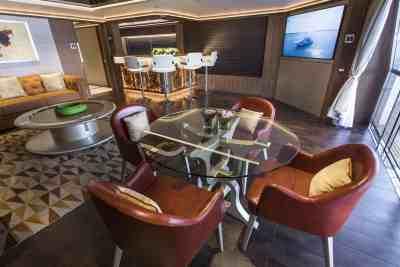 Majesty 140 Cigar Lounge