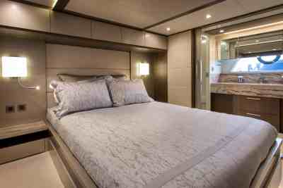 Majesty 62 Owners Cabin
