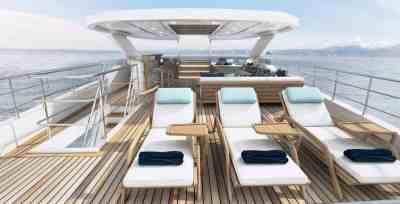 Majesty 120 Sun Deck