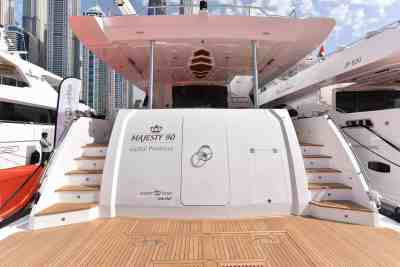 Majesty 90 Swim Platform