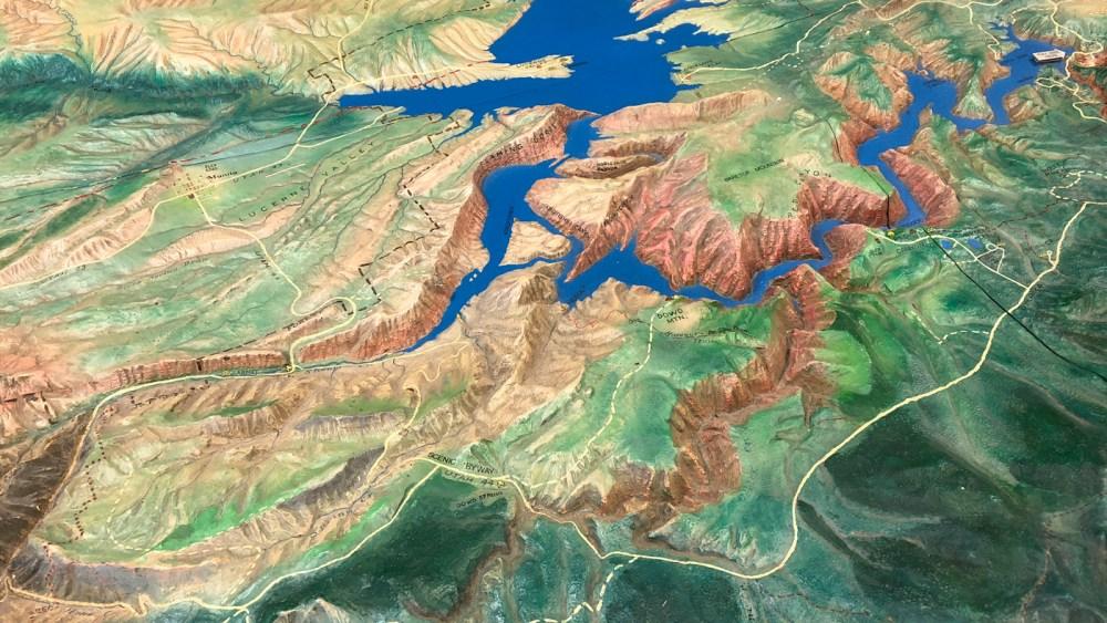 Grosses Modell des Gebietes der Flaming Gorge National Recreation Area