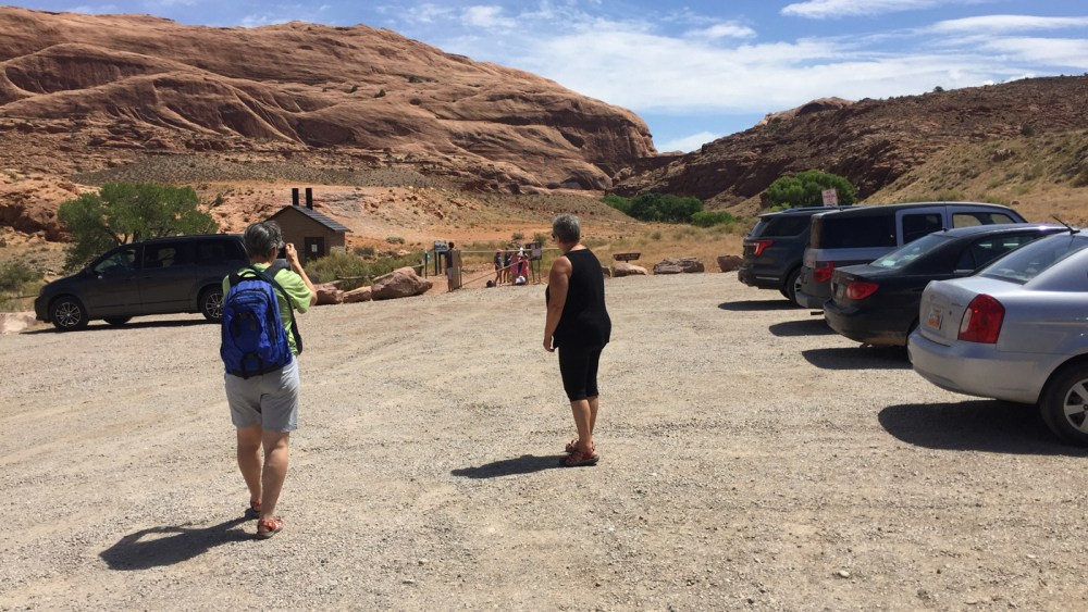 Beim Trail Head des Mill Creek Waterfall Trails in Moab Utah