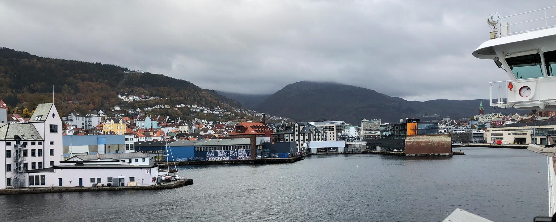 Die MS Polarlys läuft in Bergen ein