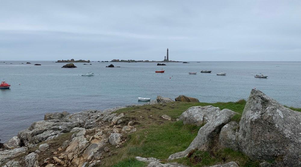 Blick zur Île Vierge mit den beiden Leuchttürmen
