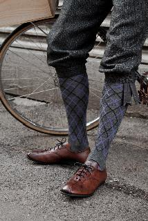 https://i0.wp.com/road.cc/sites/default/files/styles/main_width/public/images/%5Bparent-node-gallery-title%5D/Tweed%20Run%20shoes%20and%20socks%20-%20photo%20credit%20Matthew%20Brindle.jpg