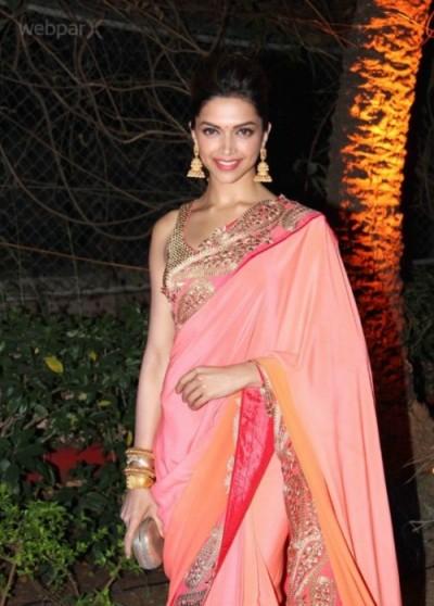 Bollywood Divas Sizzle in Saree