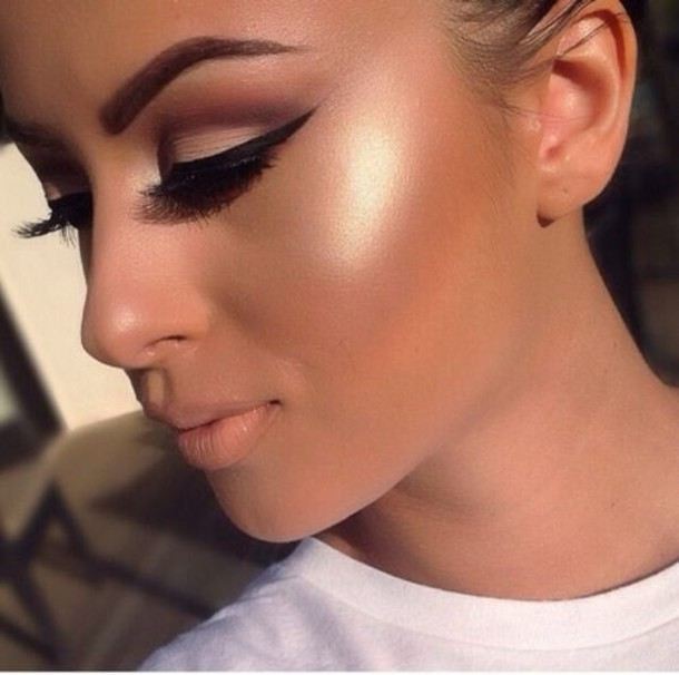 highlighter to make your skin glow