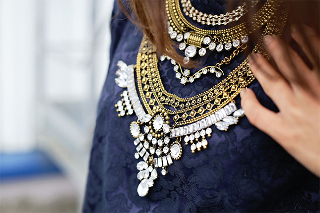 9 Tips to Help You Choose the Right Necklace for the Right Occasion