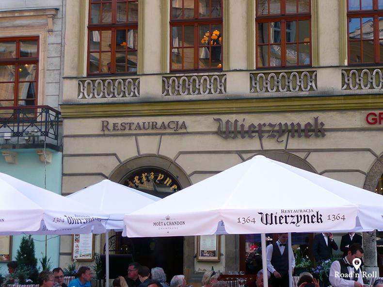 restauracja wierzynek na rynku w piosenkach o krakowie