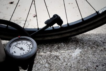 pump a bike tire