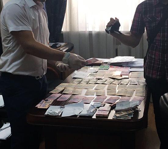Керівництво Управління з надзвичайних ситуацій збирало з підлеглих 400 тис гривень на місяць (ФОТО)