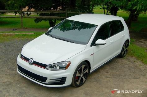 2015_VW_Golf_GTI.18