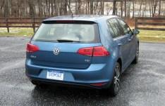 2015-VW-Golf-SE-Rear-Hatchback
