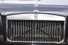 2016-Rolls_Royce_Wraith.02