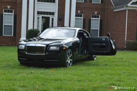 2016-Rolls_Royce_Wraith.09