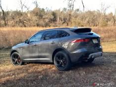 2017-Jaguar-F-Pace.01