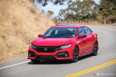 2017-Honda-Civic-Hatchback-04