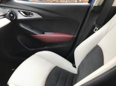 2017-Mazda-CX3.12