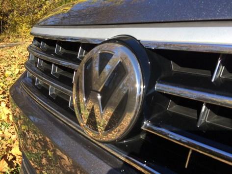 2017-VW-Passat-V6-SEL-6