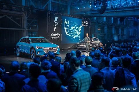 2019-Audi-e-tron-55-quattro-02