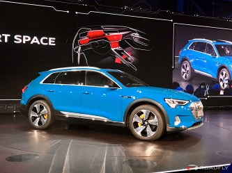 2019-Audi-e-tron-55-quattro-09