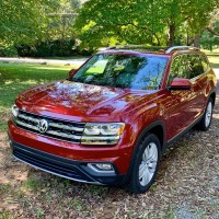 Red 2018 VW Atlas SEL Premium