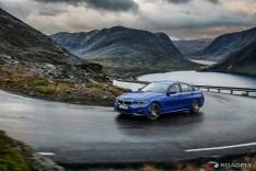 2019-BMW-3-Series-330i-330xi-02