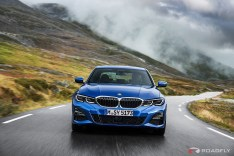 2019-BMW-3-Series-330i-330xi-08