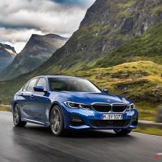 2019-BMW-3-Series-330i-330xi-09